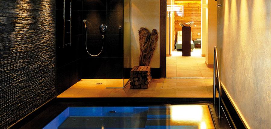Hotel Haldenhof, Lech, Austria - spa area.jpg